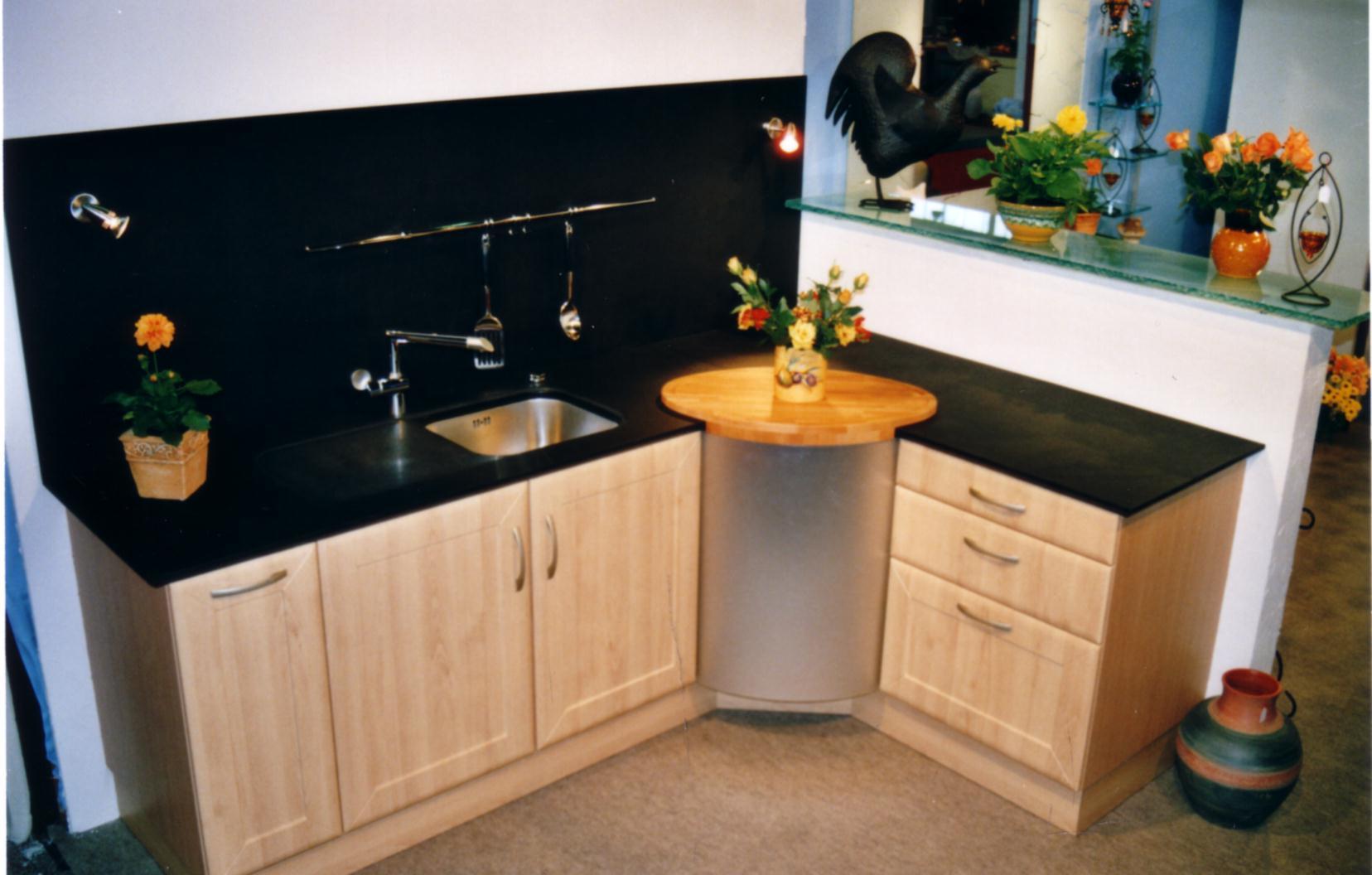 plan de travail en granit noir zimbabwe latest plan de. Black Bedroom Furniture Sets. Home Design Ideas