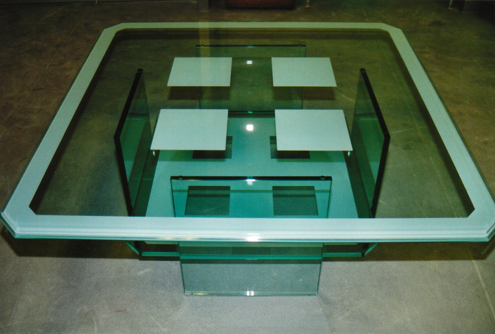 table basse en verre art styl. Black Bedroom Furniture Sets. Home Design Ideas